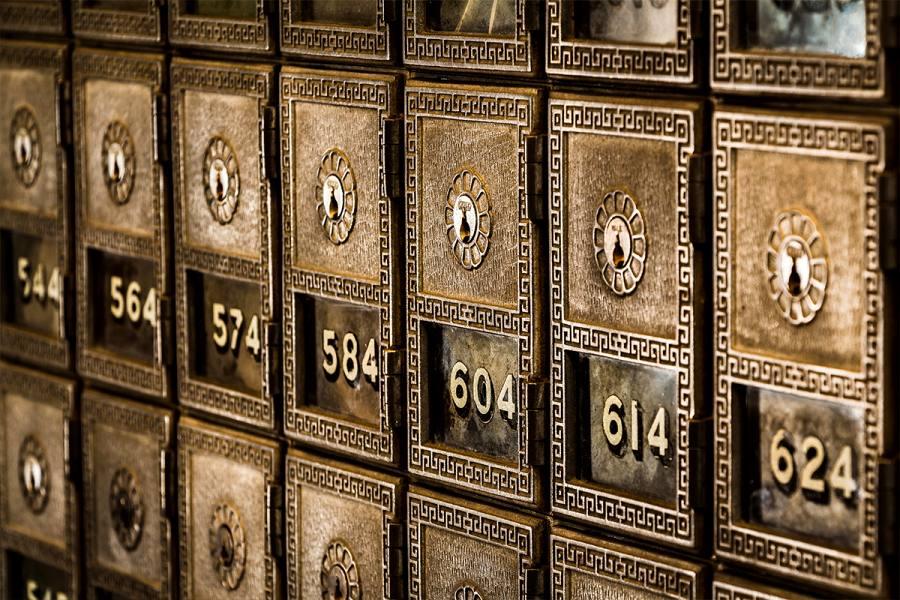 استفاده از داده کاوی به منظور بررسی وقایع سرویس پست الکترونیک ایرانی پست چی